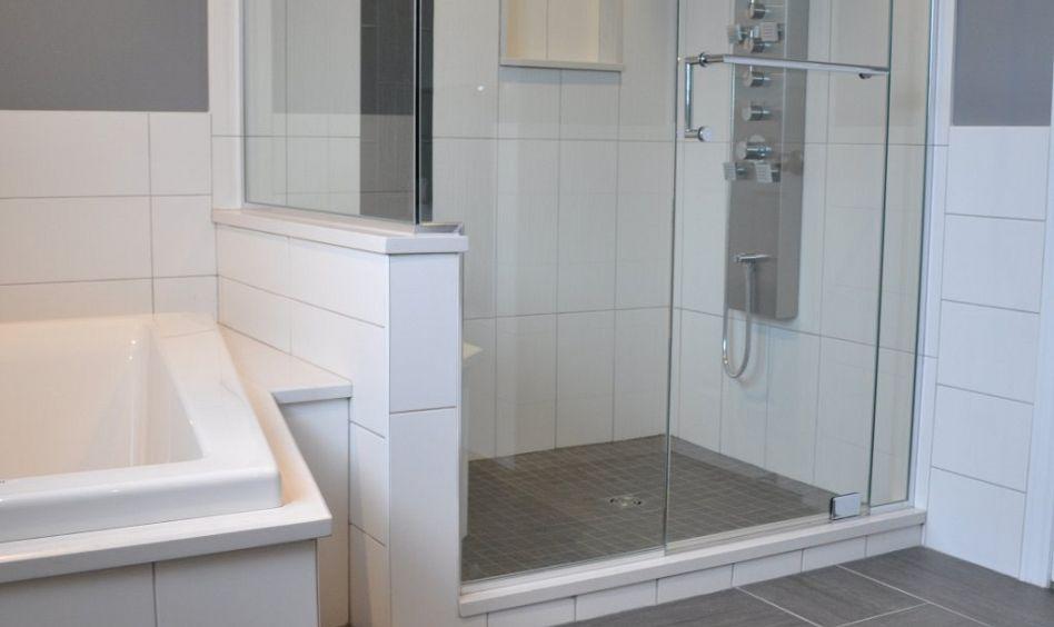 R alisations cuisine salle de bain meuble sur mesure creationunik for Photos salles de bains contemporaines