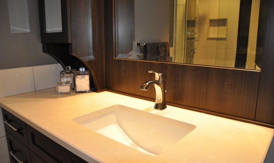 Salle de douche sur mesure transformer sa baignoire en - Transformer sa baignoire en douche italienne ...