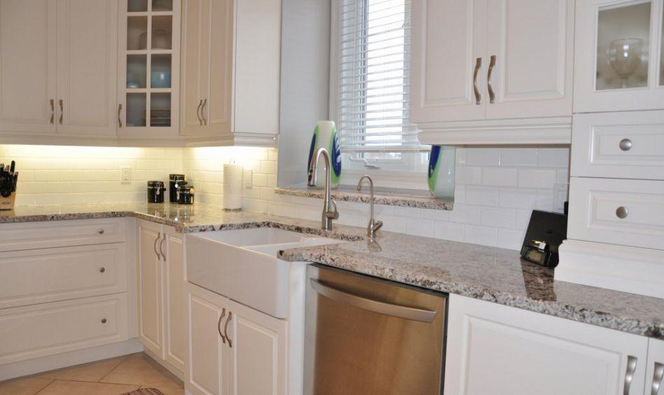 R alisations cuisine salle de bain meuble sur mesure for Peinturer un comptoir de salle de bain